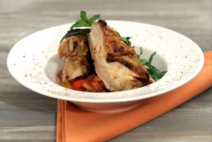 Recette de Suprême de poulet mariné et grillé, salade