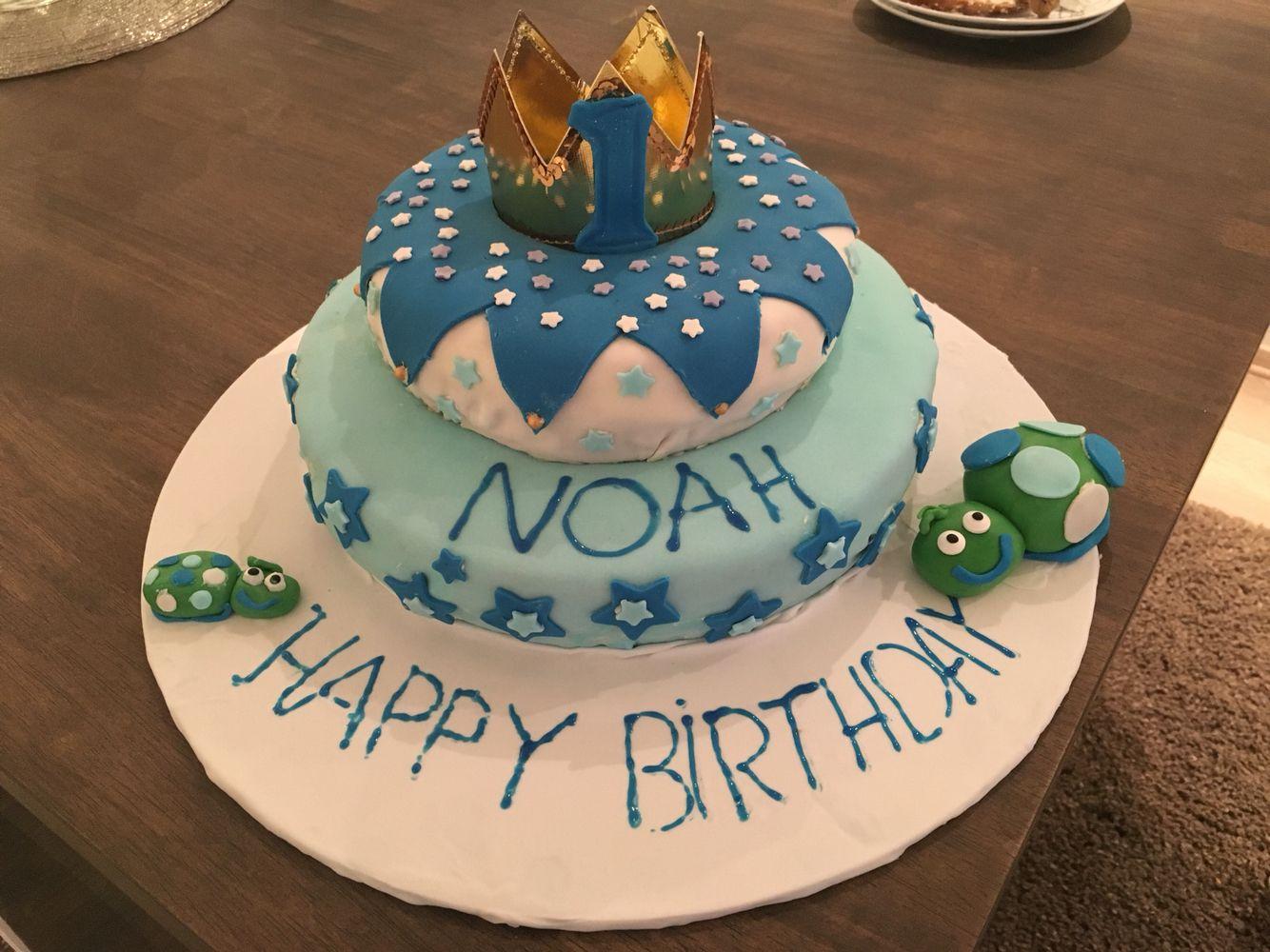 1 st birthday cake prince and turtle :P