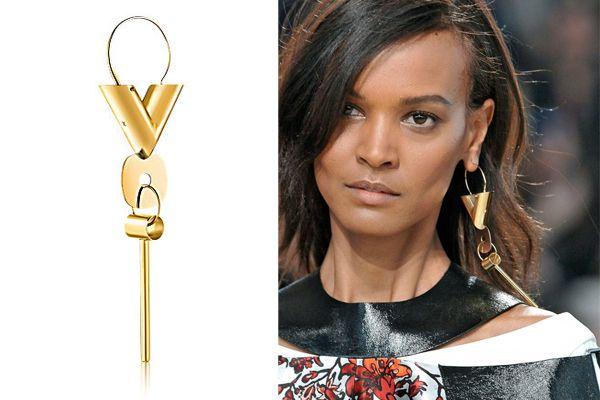 Louis Vuitton Essential V Earring