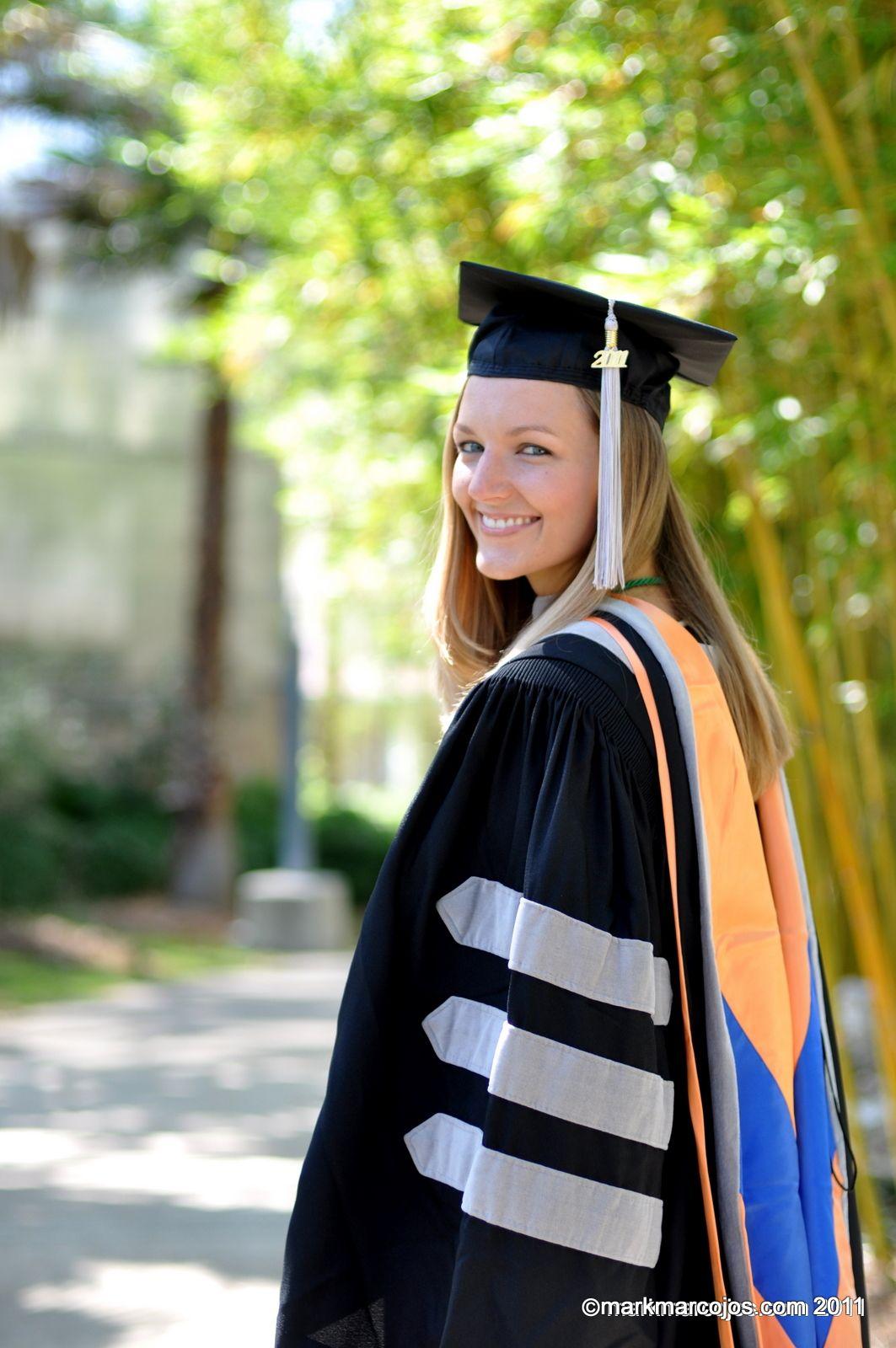 uf graduation poses   College graduation♥ucf/uf/unf   Pinterest ...