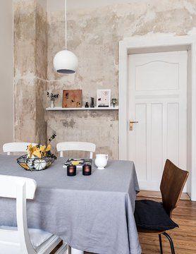 Esszimmer #altbau #interior #unverputztewand #leinentischdecke #decoration