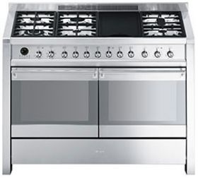 A4-8: Cooker Smeg designed in Italy, has functional characteristics ...