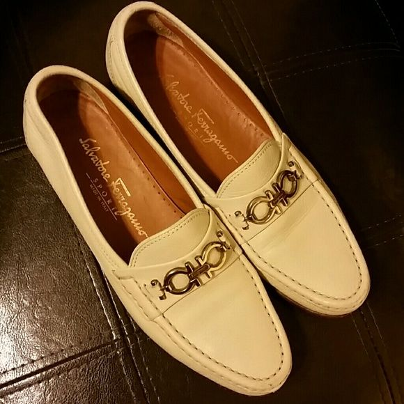 Vintage Salvatore Ferragamo Shoe Vintage Ferragamo shoe. Cream color in a very good condition. Salvatore Ferragamo  Shoes Flats & Loafers
