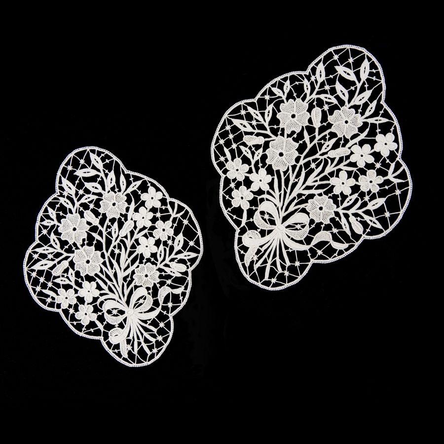 Photo of Linen | Needle lace Aemilia Ars cushions po …