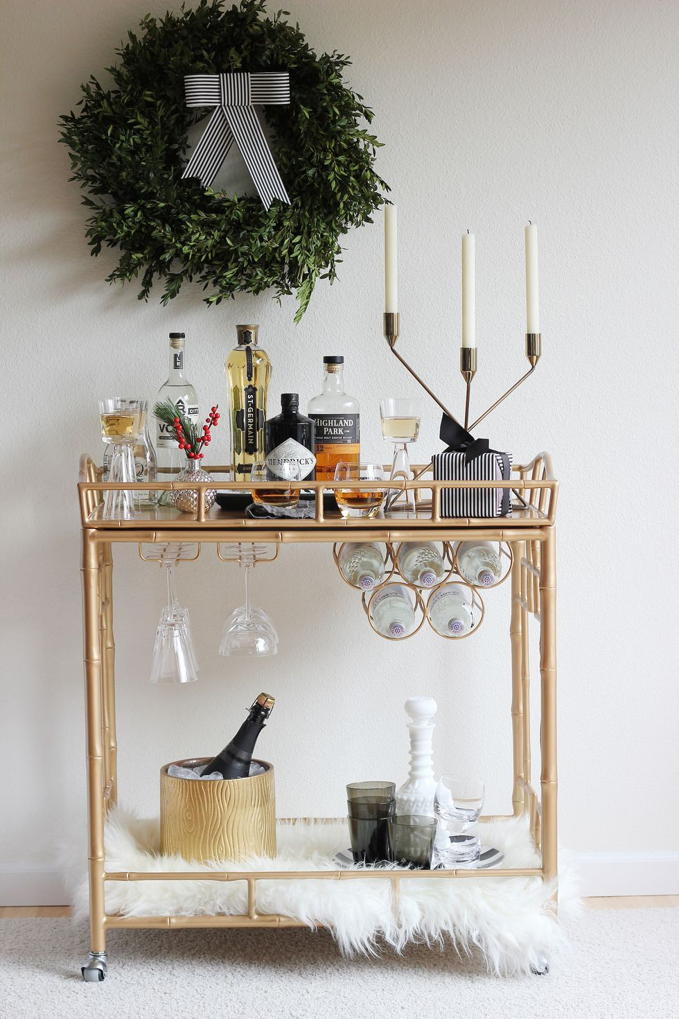 These Chic Holiday Decor Ideas Are Brilliant for Small Spaces