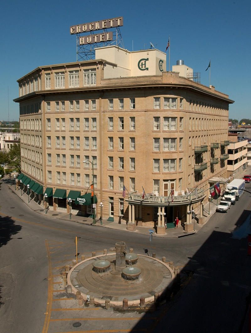 Crockett Hotel The Is One Stop On City S Go Historic Sa Guided