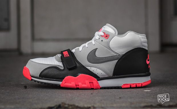 NIKE AIR TRAINER 1 MID PREMIUM QS 607081 100 INFRARED BO JACKSON ... aabfe34d5