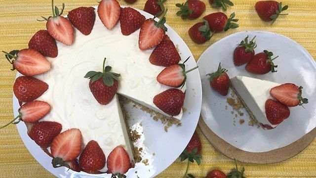 Phil Vickery's strawberry cheesecake | Food | This Morning ...