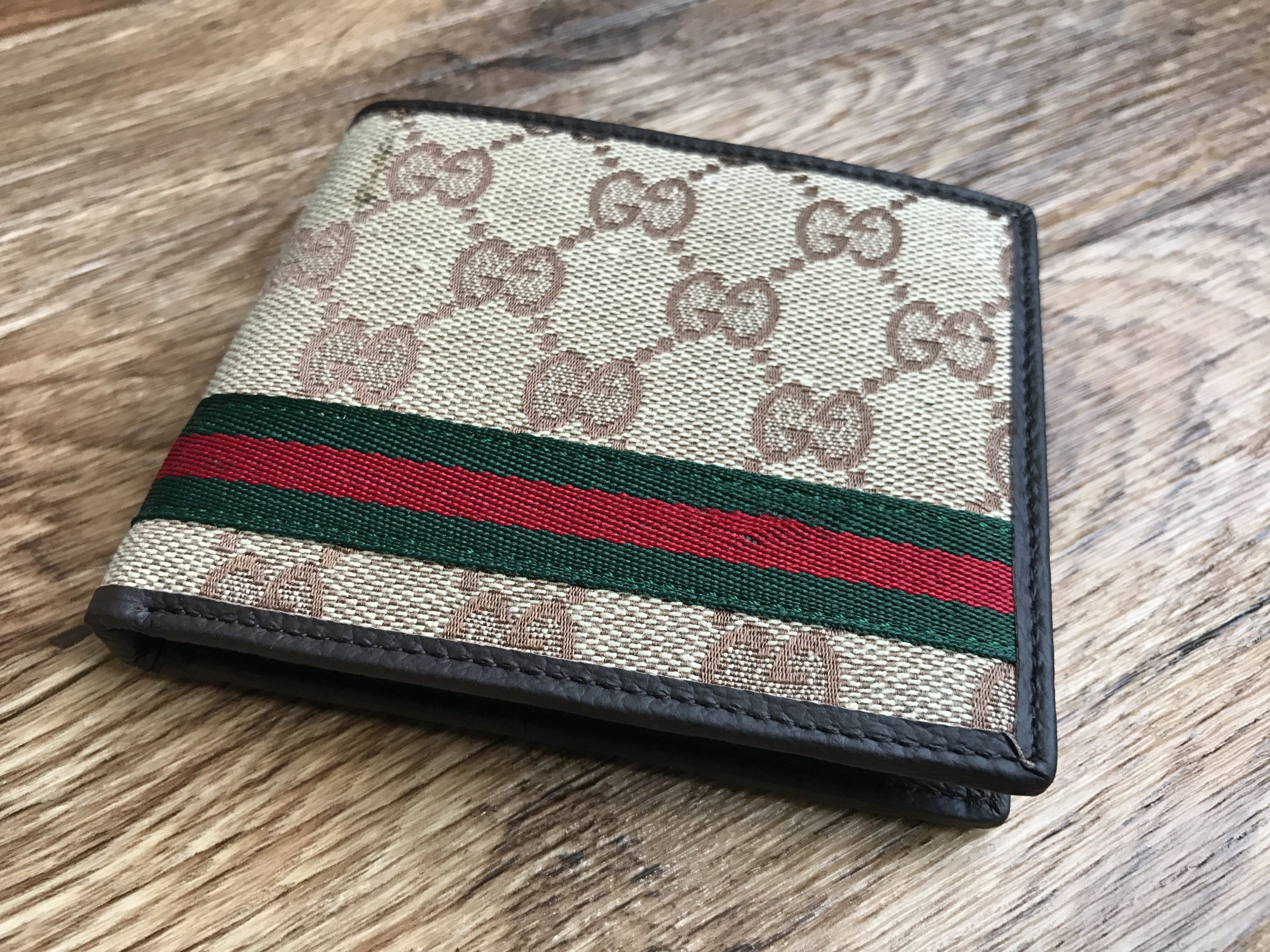 7f22d8197480 Gucci Wallet Mens Purse Web GG Supreme wallet Bi Fold Credit Card Holder  Wallet Made in