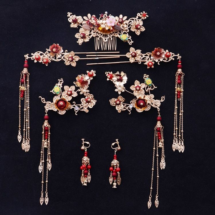 Bride Chinese gold background red Tassel hair comb hair