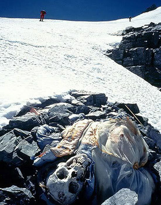 Frozen body found on mt everest gore pinterest history bog everest has around 200 dead bodies on the mountain it is nearly impossible for recovery of a body off the mountain the death zone is feet sciox Image collections