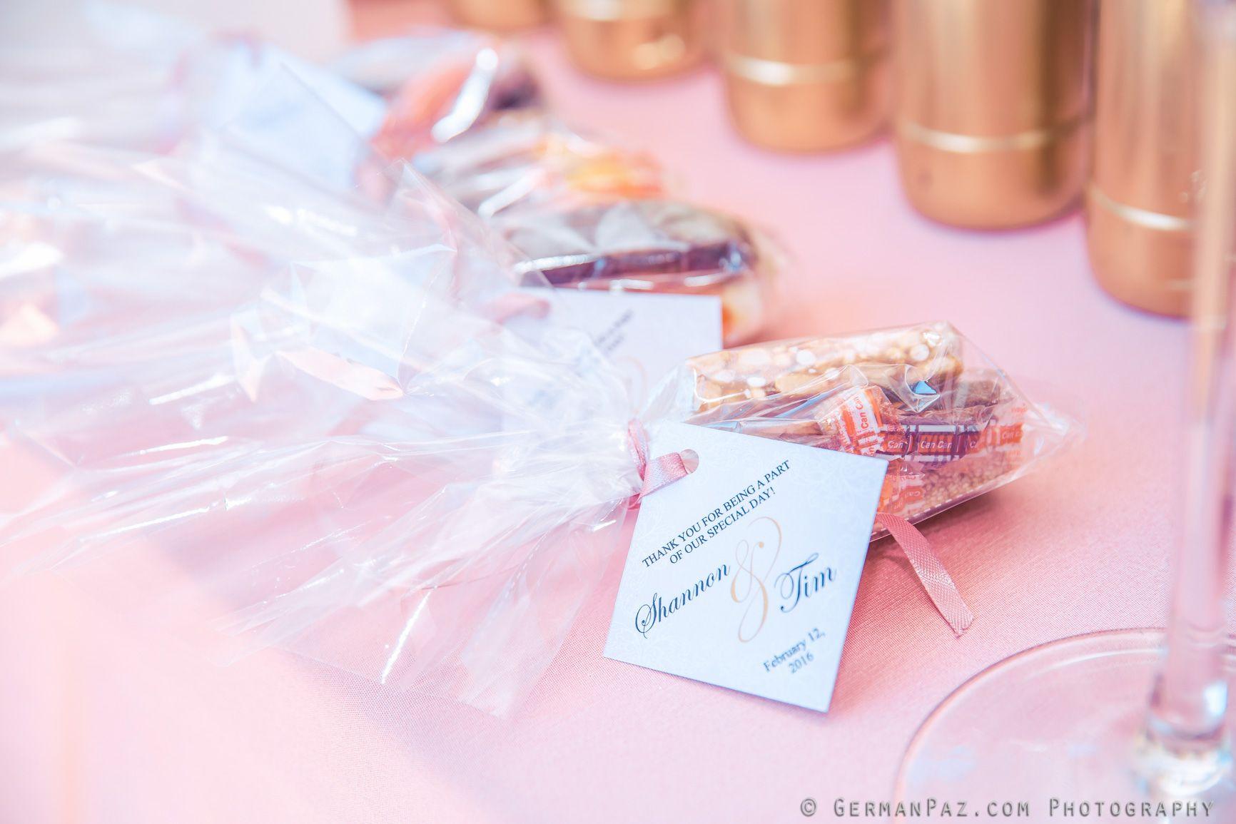 Welcome table| Wedding favors| Venue Kukua Punta Cana| Design ...