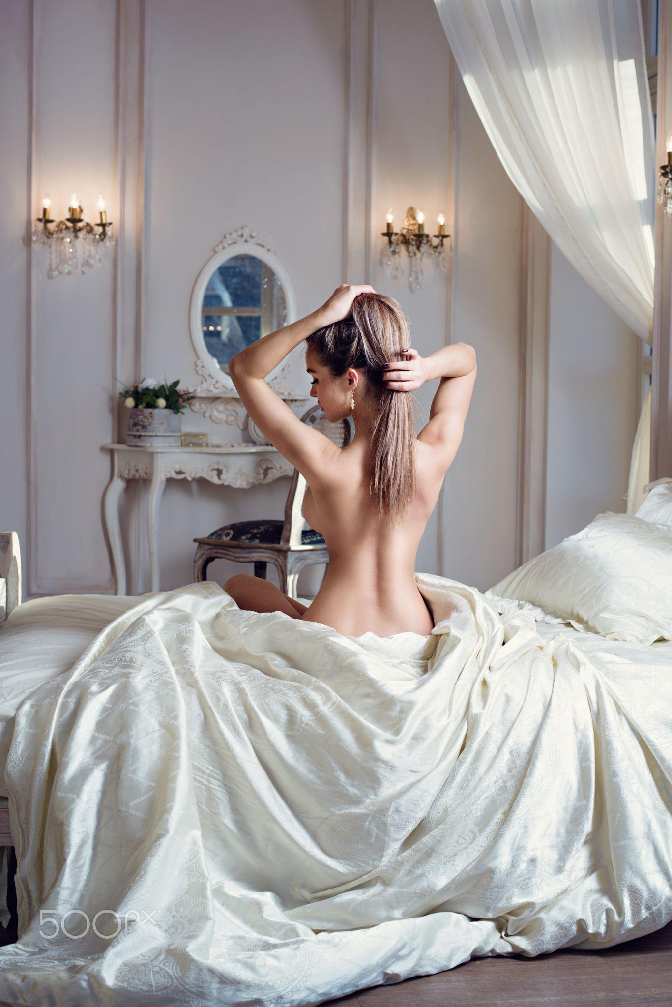 nude naked pose girl lady