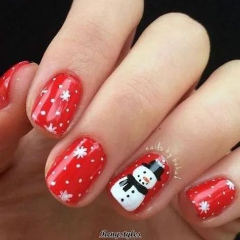 25+ Christmas nails for this season