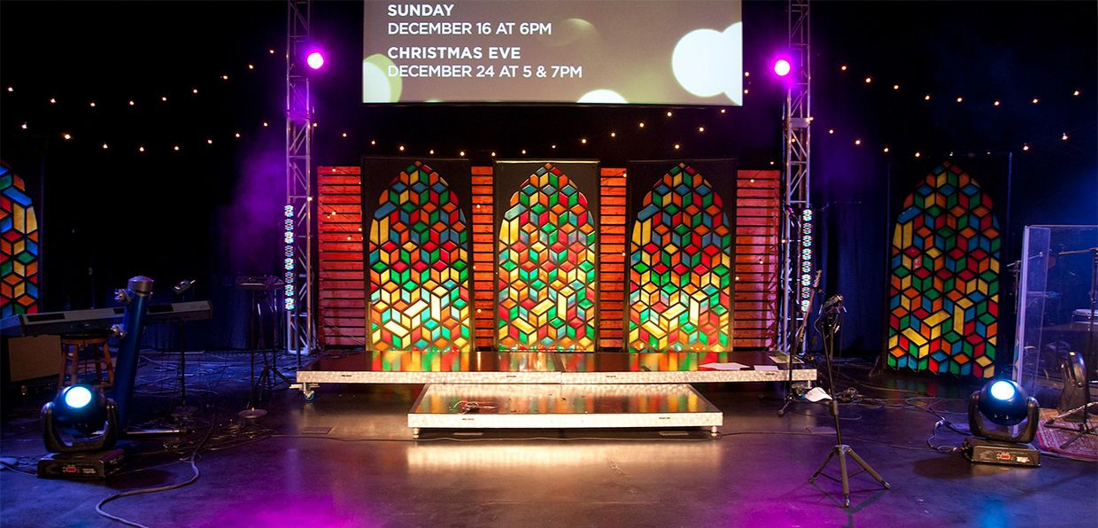 Church Stage Design Ideas Scenic Sets And Stage Design Ideas From Churches Around The Globe Stained Glass Church Church Stage Design Church Design