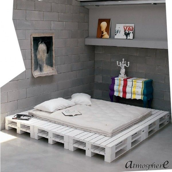 selfmade wooden pallet furniture bed platform artistic design palets pinterest wooden. Black Bedroom Furniture Sets. Home Design Ideas