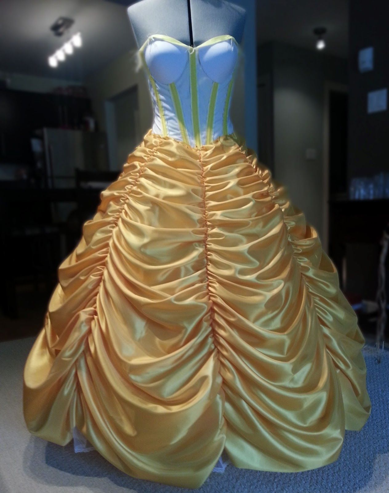 Belle S Ball Gown Tutorial Cosplay Cosplay Cosplay Belle