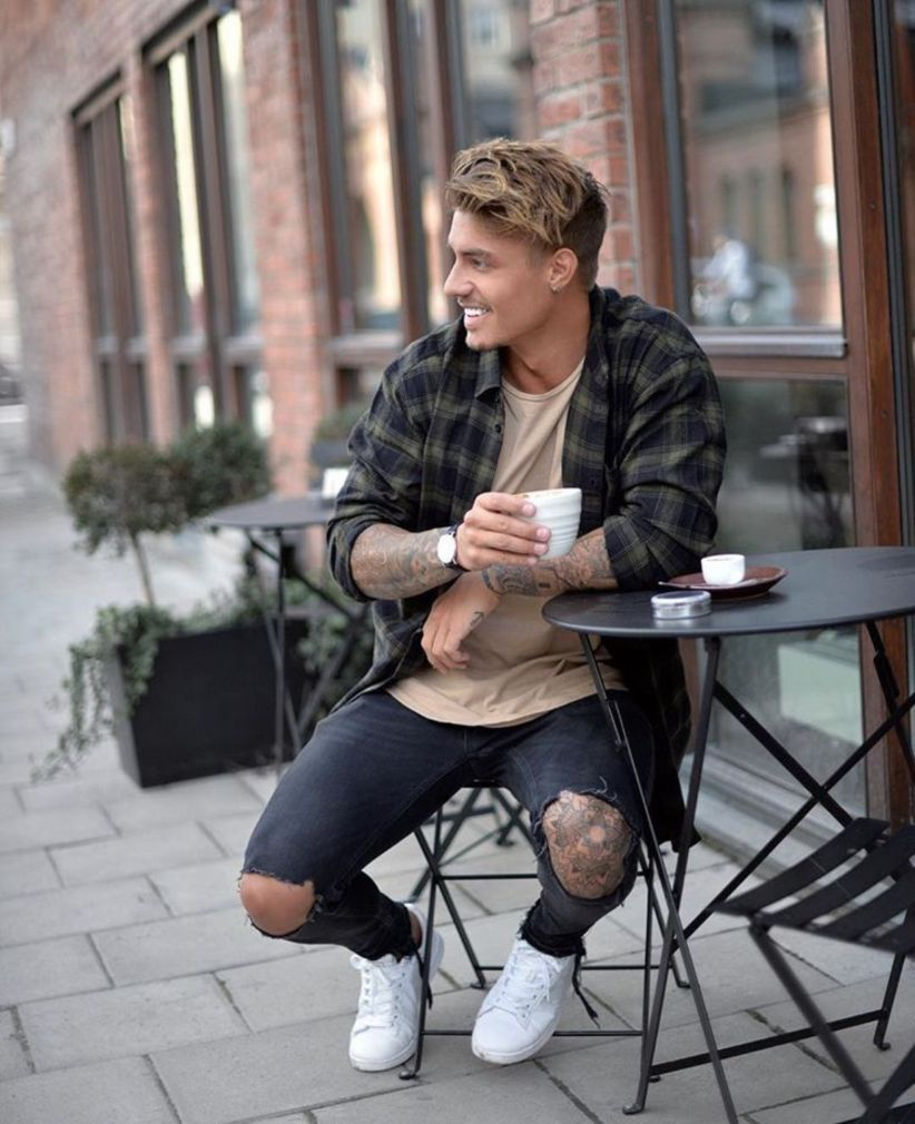 fae50e8cf1fe Nice 40 Stylish Casual Summer Outfits Ideas for Mens. More at http