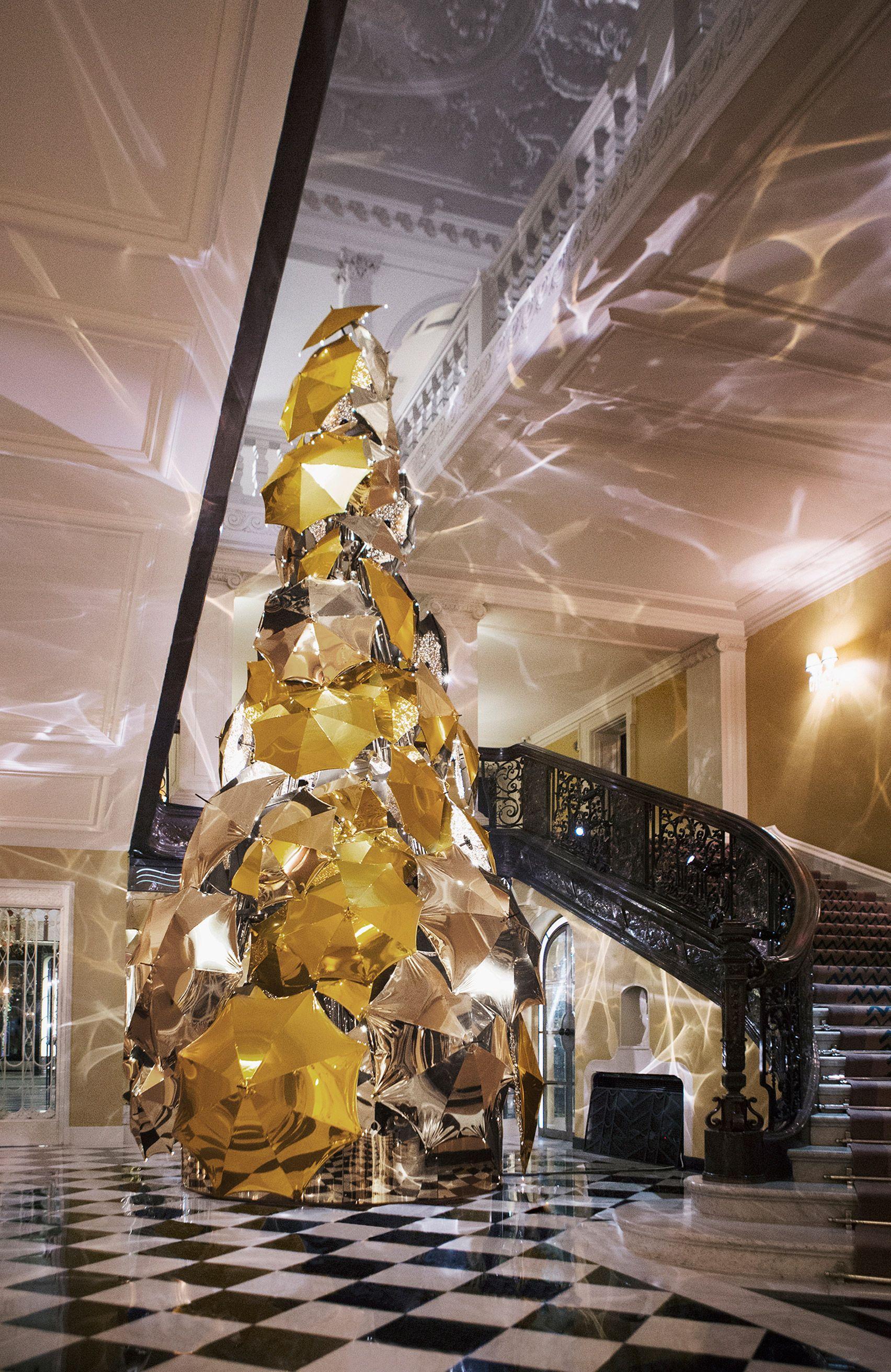 Marc newson and jony ive to design christmas tree cool - Decoracion navidad moderna ...
