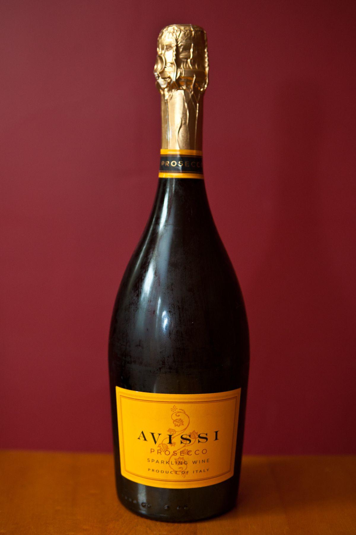 Weekly Wine Wednesday 11 29 17 The Glorious Grape Prosecco Sparkling Wine Wine Bottle Wine Safari