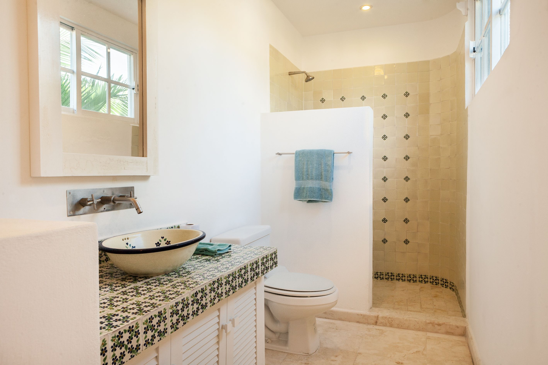 Mexican bathroom. #talavera | mexican bathrooms | Pinterest | Mexicans
