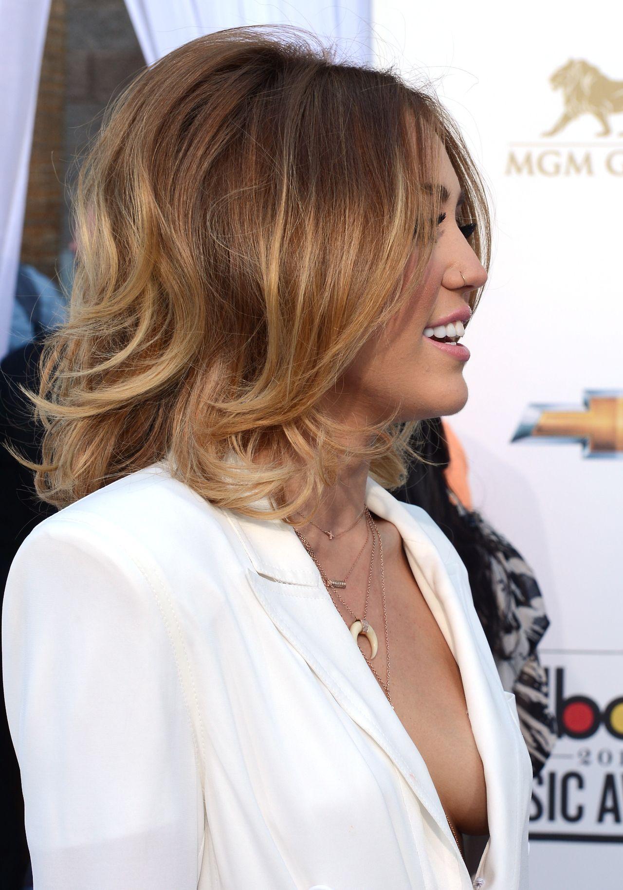 Miley Cyrus People Hair Short