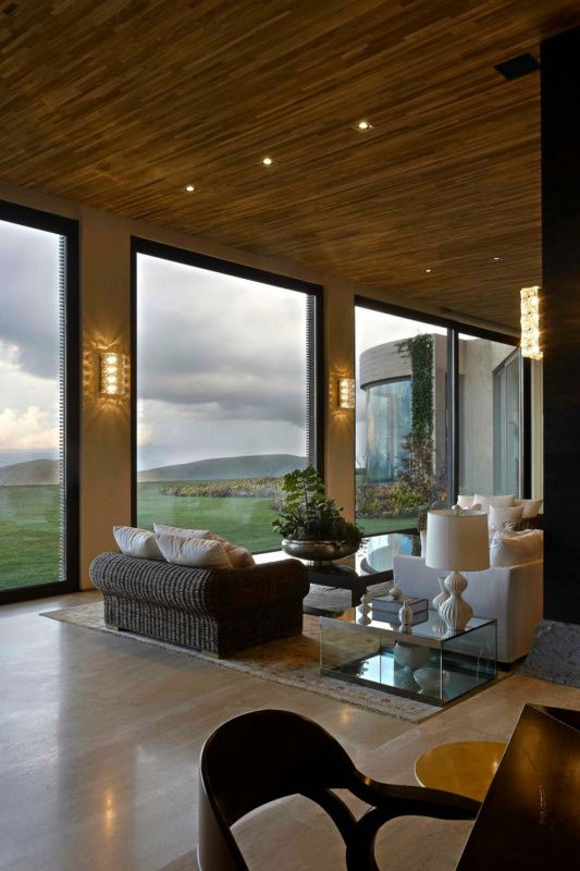 Living Room Windows Design: We Can Experience The Sky's Unique Colors, The Gradual