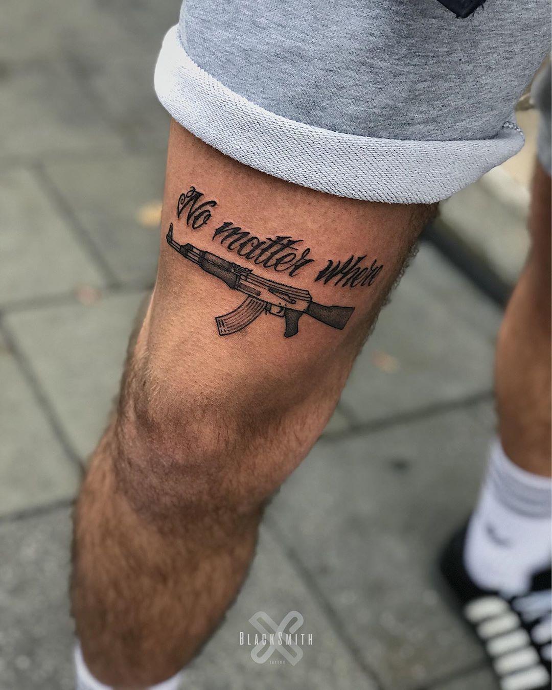 Oberschenkel mann tattoo Tattoo Oberschenkel