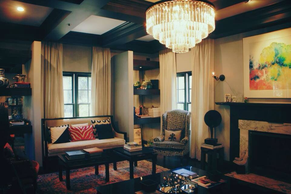 The 1930s colonial Art Deco living room with a touch of old ...