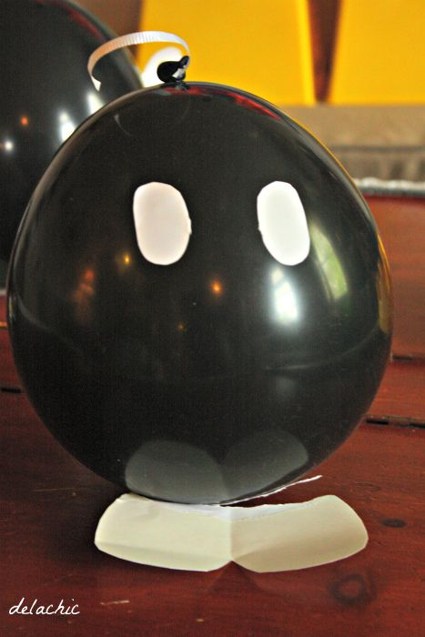 Balloons super mario bomb nintendo birthday party for Mario decorations