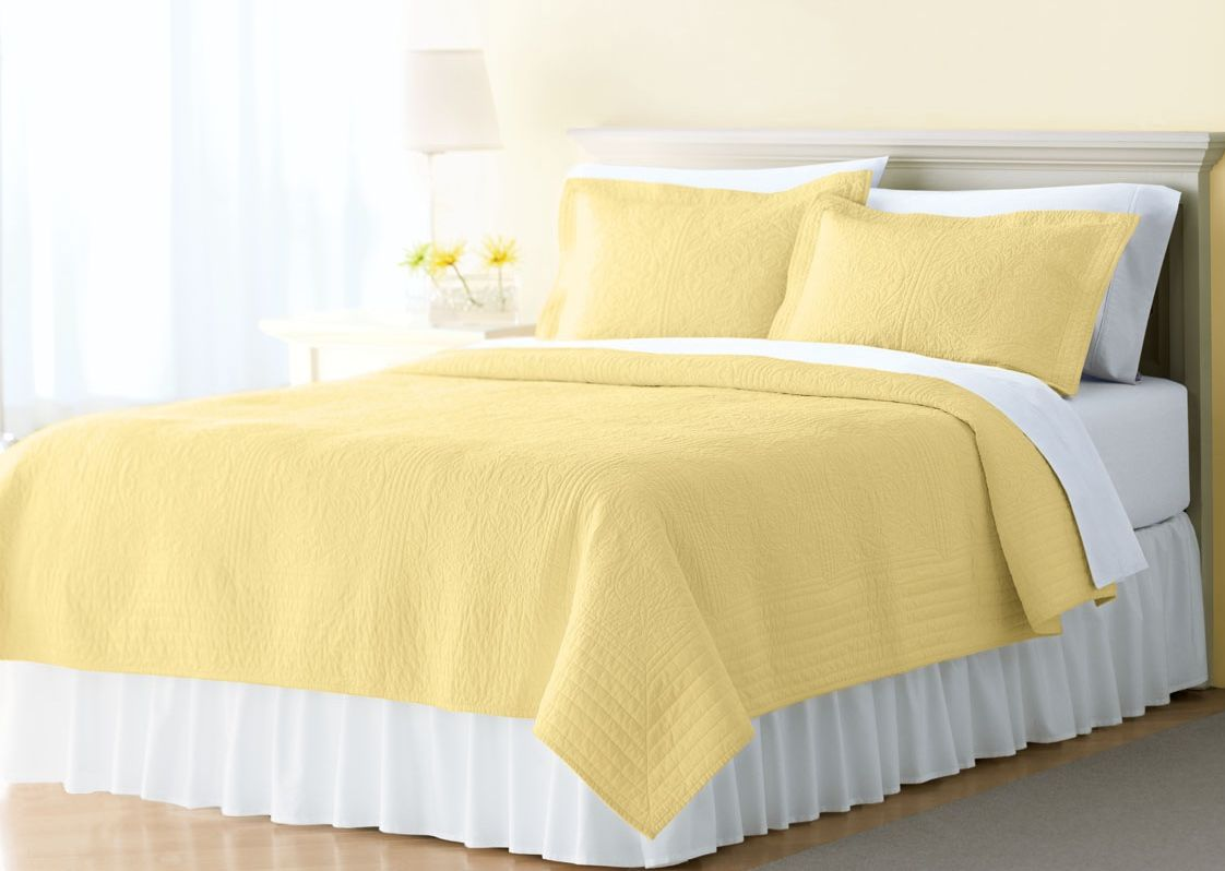 Textile House 100% Cotton Solid Embroidery Yellow Quilt