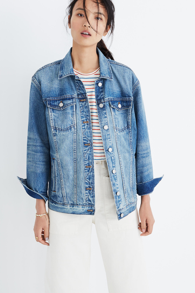 The Best Lightweight Summer Jackets To Keep You From Shivering While The A C Blasts Denim Jacket Women Oversized Jean Jacket Jean Jacket Outfits [ 1135 x 757 Pixel ]
