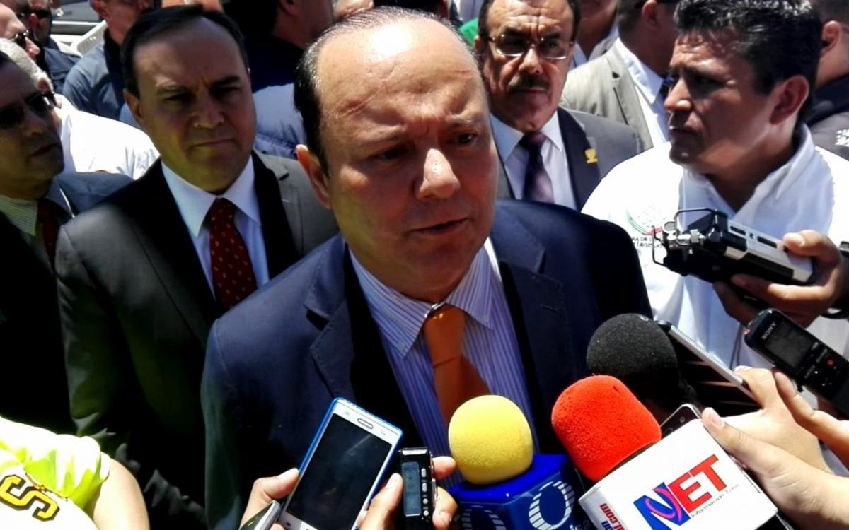 Anuncia Duarte aumento del 7% en salarios para trabajadores de gobierno | El Puntero