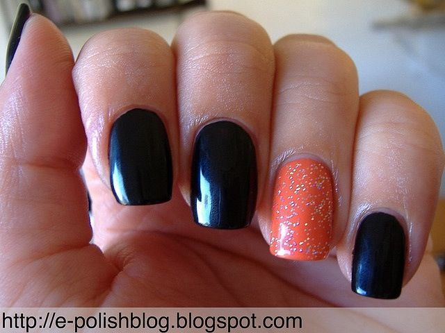 Really Simple And Cute Halloween Inspired Nails Black Halloween Nails Halloween Nails Easy Cute Halloween Nails