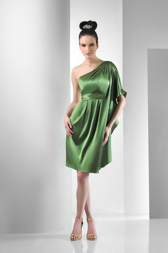 One Shoulder Satin Knee Length Short Green Bridesmaid Dresses With D Sleeves Halter Ruched