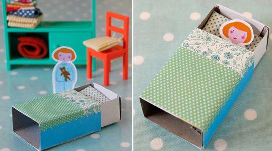 Poup e dans une boite d 39 allumettes creations avec les - Comment faire une toilette complete au lit ...