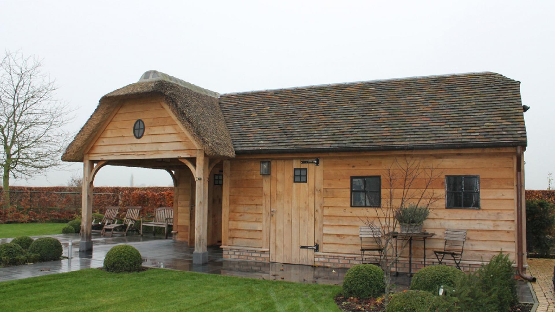 Poolhouse eiken bijgebouwen houten bijgebouwen bouwpaketten