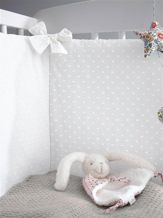 cyrillus tour de lit plumetis blanc b b the number. Black Bedroom Furniture Sets. Home Design Ideas