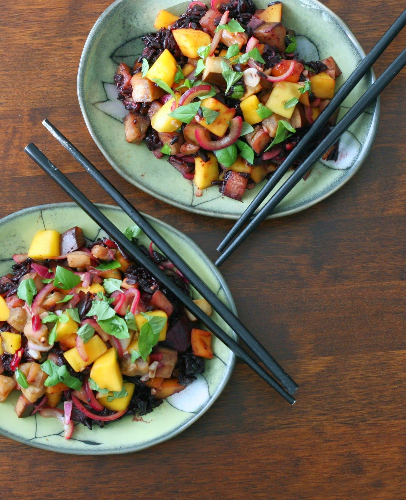 South East Asian black rice, eggplant and mango salad with zesty lime ginger dressing. Vegan, gluten-free - by Maikin mokomin