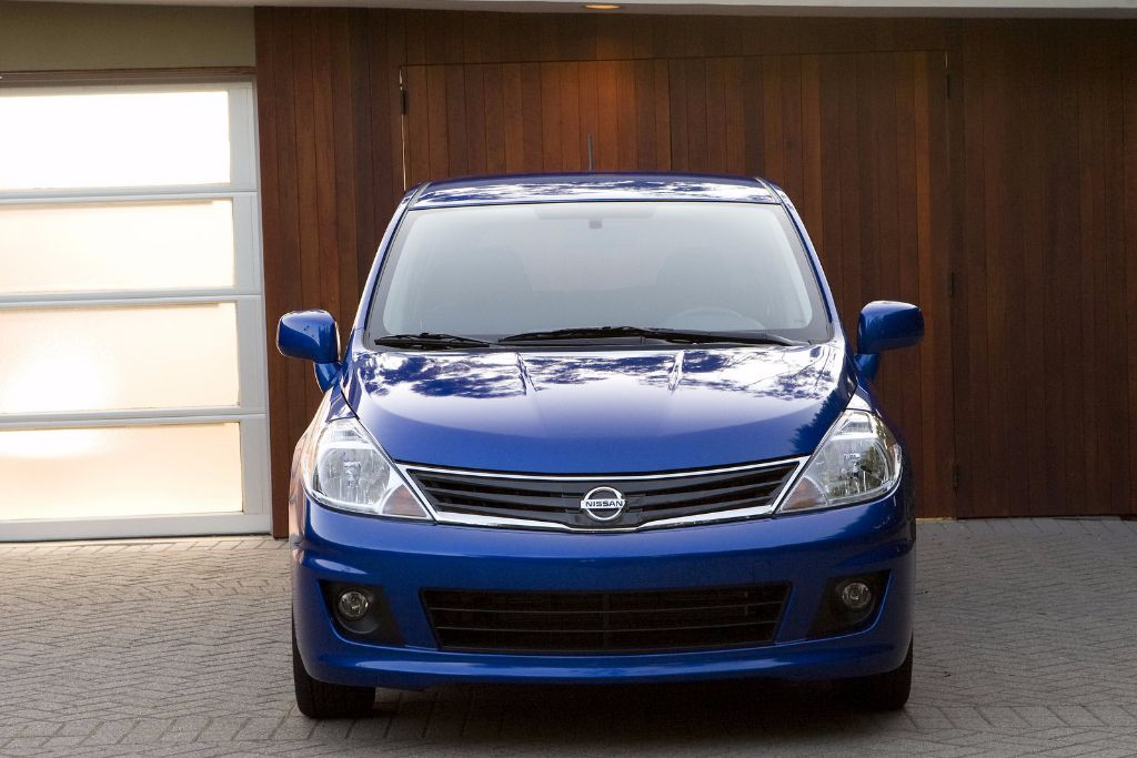 2011 Nissan Versa Review: Specs, Price U0026 Pictures   Http://whatmycarworth