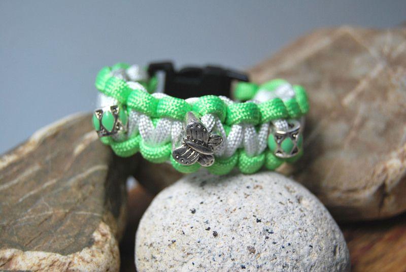 Paracord - Armband grün weiss Schmetterling 17,5cm von DaiSign auf DaWanda.com