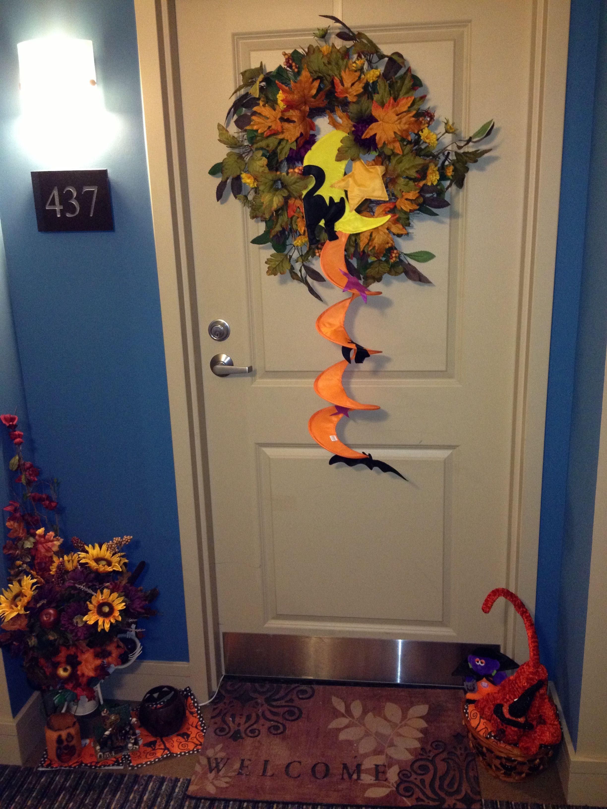 Halloween door decor contest #437 Mercer Events Pinterest - door decoration halloween