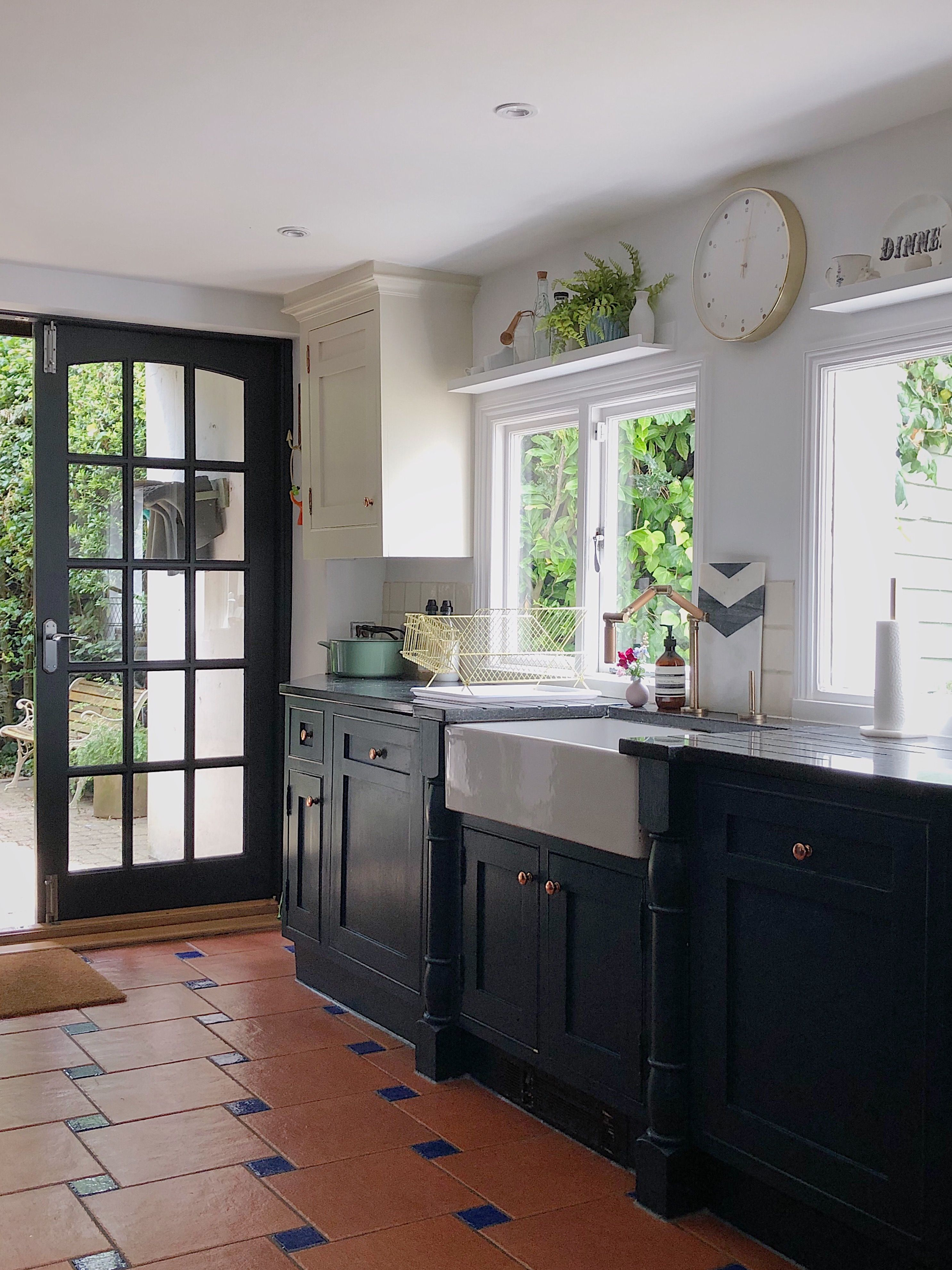 Best Navy And White Kitchen Units Hague Blue By Farrow And 640 x 480
