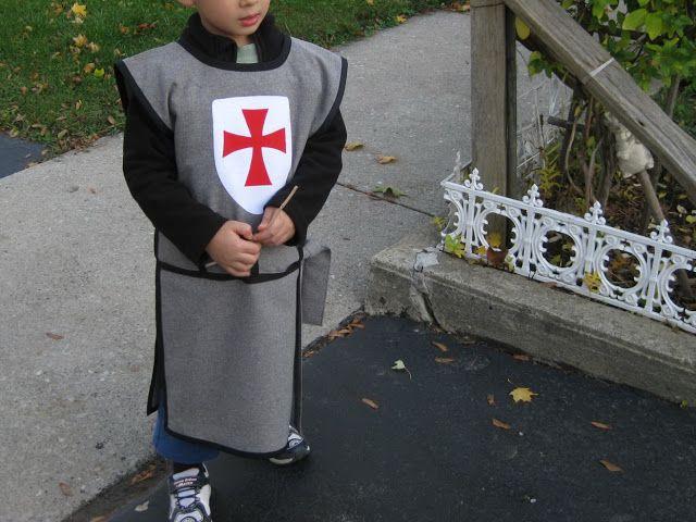 My Handmade Home DIY Knight Costume & My Handmade Home: DIY Knight Costume | Noah | Pinterest | Knight ...