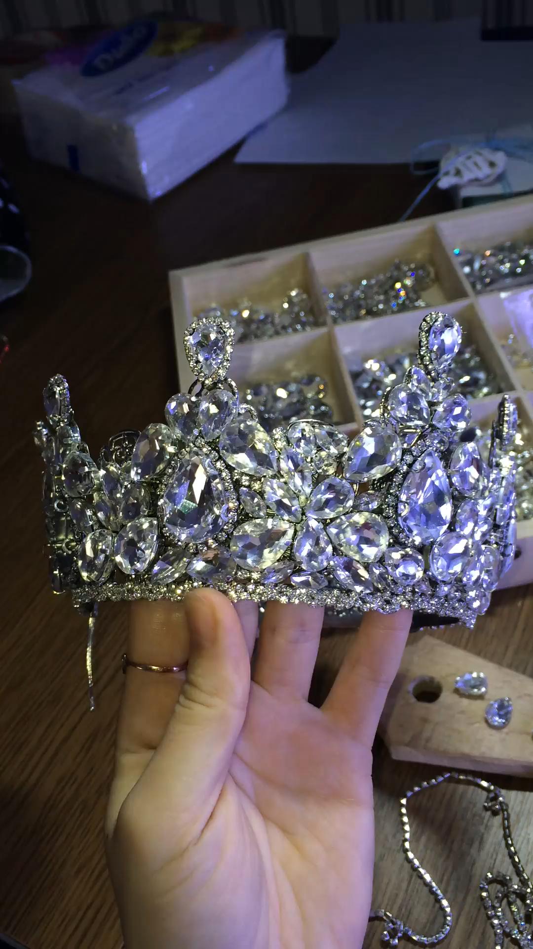 Handmade luxury crystals tiara, Wedding crown, Diadema for bride, Shine tiara, Famous wedding