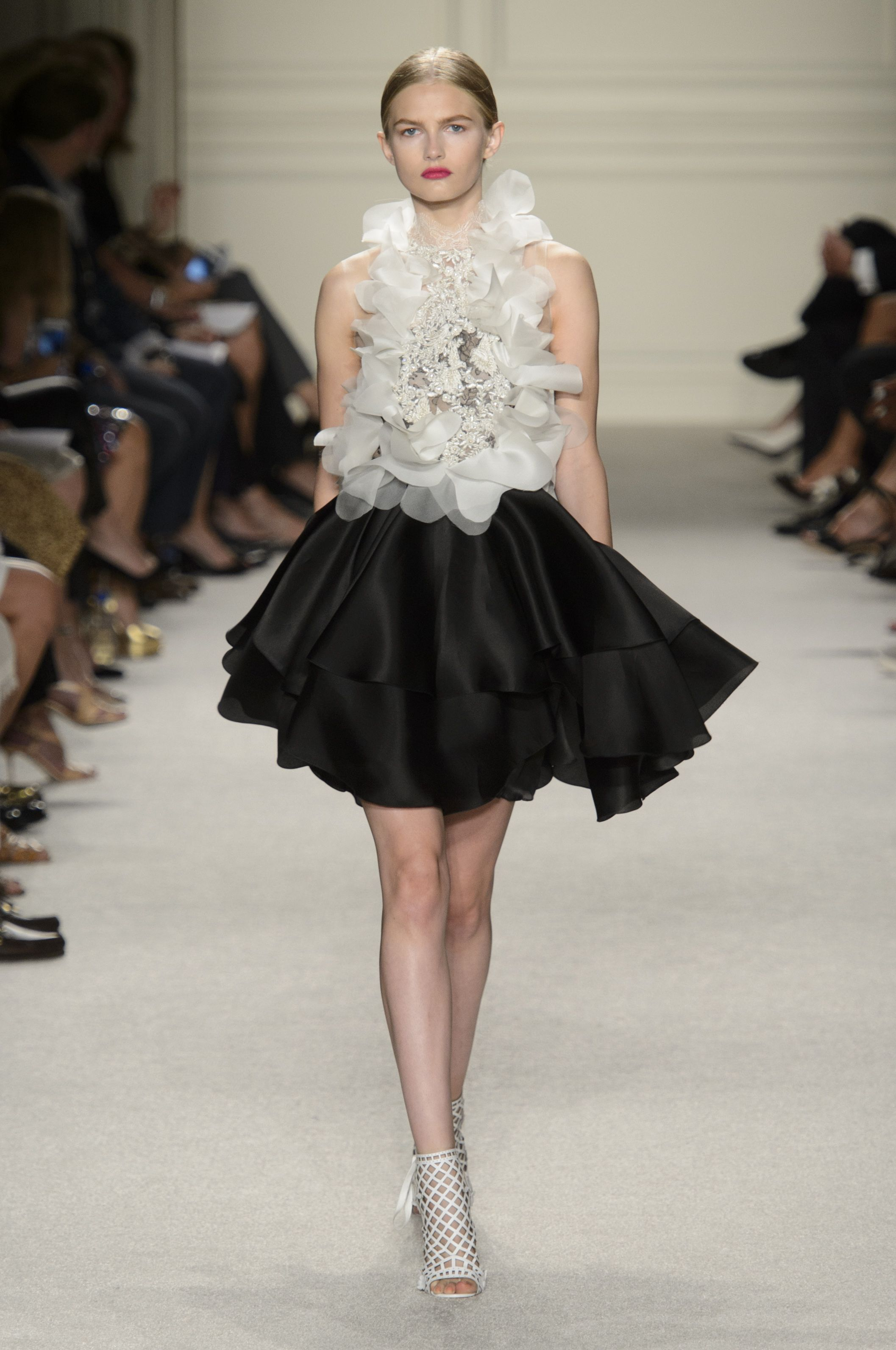 Black and white skirt 2-piece with ornamented top by Marchesa @ New York Fashion Week Spring Summer '16 #fashionweek #marchesa #rendezvousdelamode #couture #evening #twopiece #skirt #drappery #frill #bellskirt #ornament
