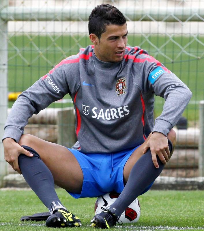 Manuel neuer bulge