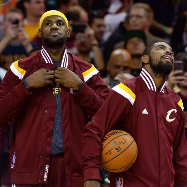 Lebron James vs Kyrie Irving, choque de egos en los Cavs