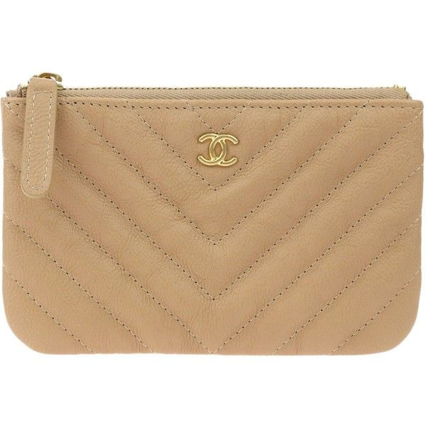e3fb1071f67cd9 Pre-owned Chanel Beige Goatskin Chevron Quilted Small Cosmetic Pouch ($895)  ❤ liked on Polyvore featuring beauty products, beauty accessories, ...