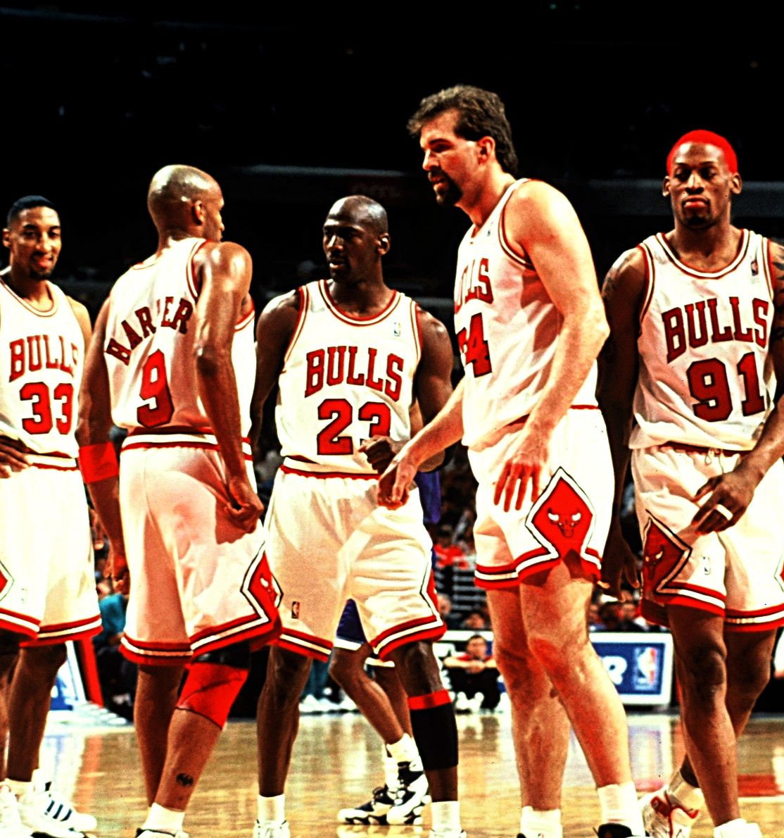 Scottie Pippen Ron Harper Michael Jordan Bill Wennington